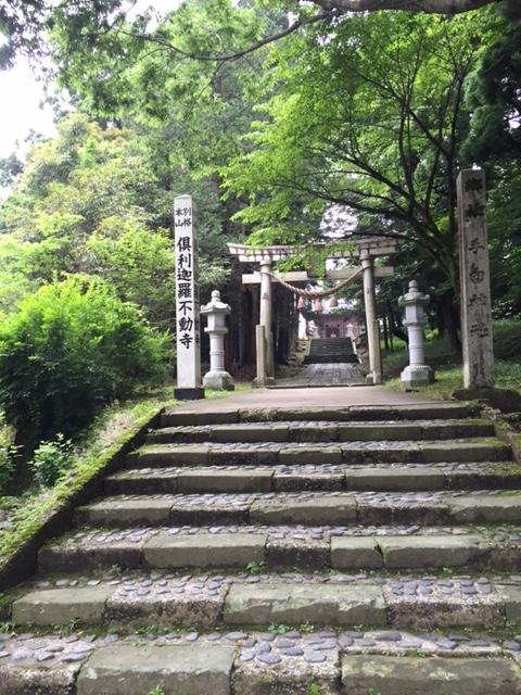 「日本三代実録」や「万葉集」にも登場する手向神社。
